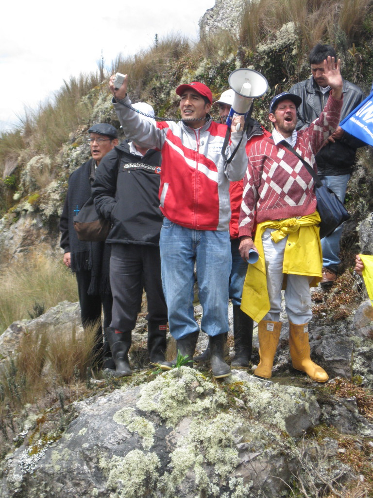 Community members from the rural parishes of Victoria del Portete and Tarqui, just south of Cuenca, Ecuador, visit the site of a proposed gold and silver project that belongs to INV Metals (originally IAMGOLD) in defence of their water supplies and the páramo known as Kimsacocha. Photo: MiningWatch